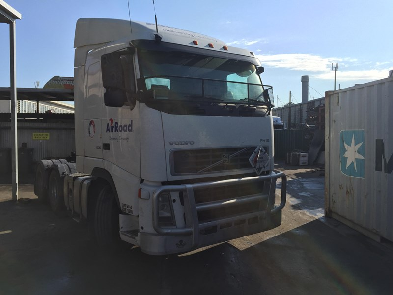 volvo fh12 320939 007