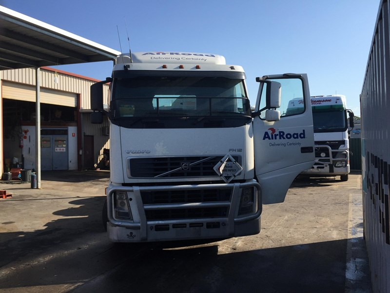 volvo fh12 320939 008