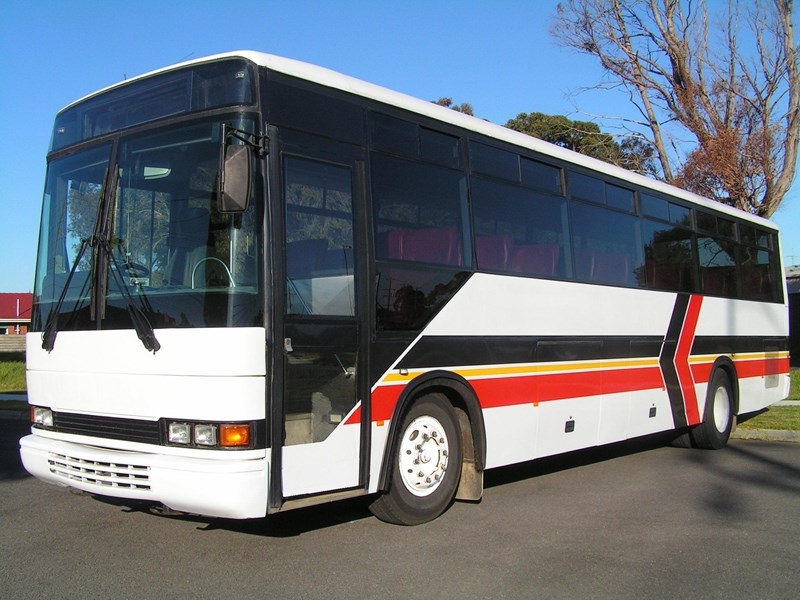 mercedes-benz coach 323522 001