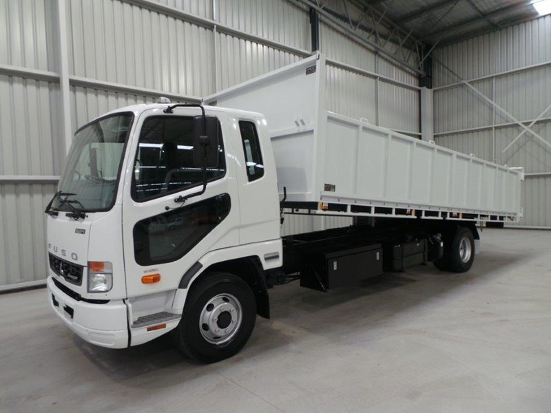 fuso fighter 1024 323567 001