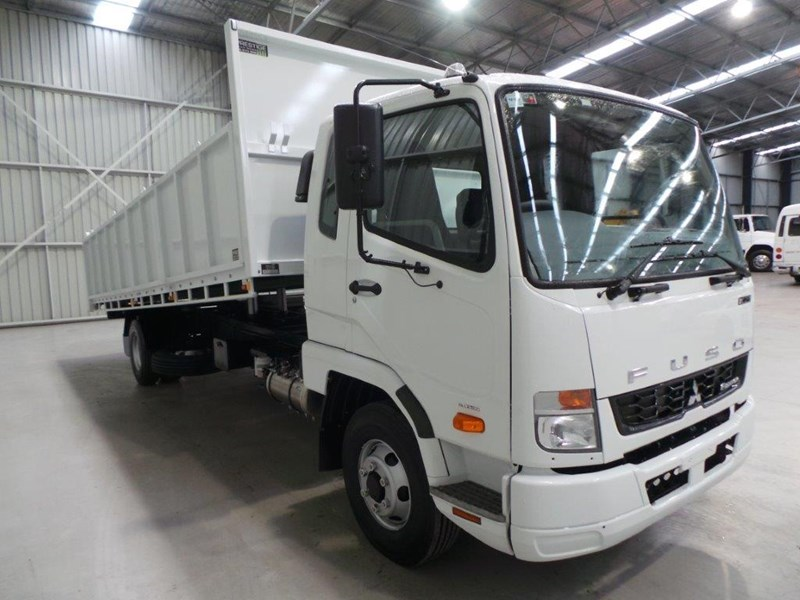 fuso fighter 1024 323567 006
