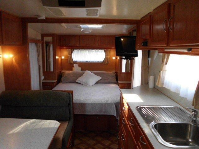 retreat caravans brampton 325097 010