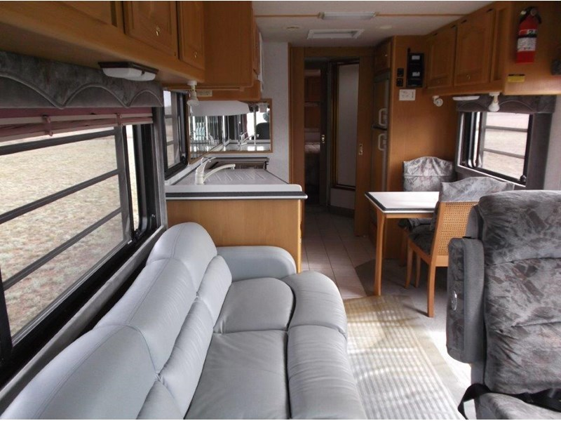 winnebago (avida) classic 36ft 322796 009