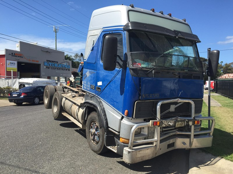 volvo fh16 327611 003