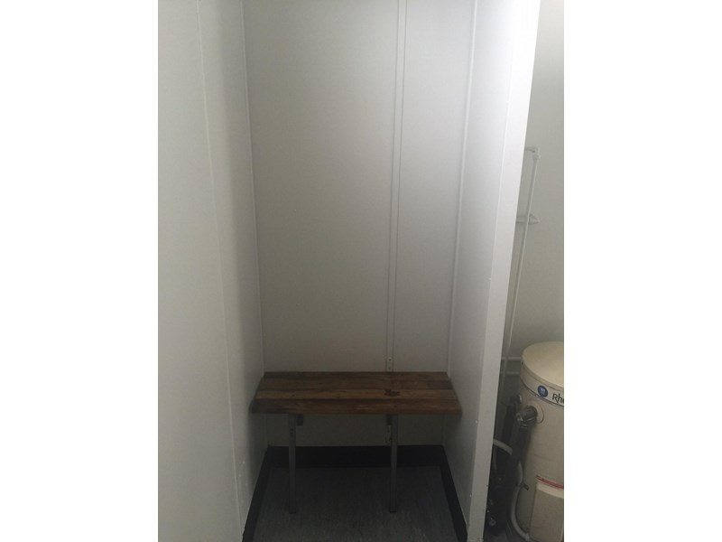 mcgregor 5.5m x 3.3m  toilet block 313378 011