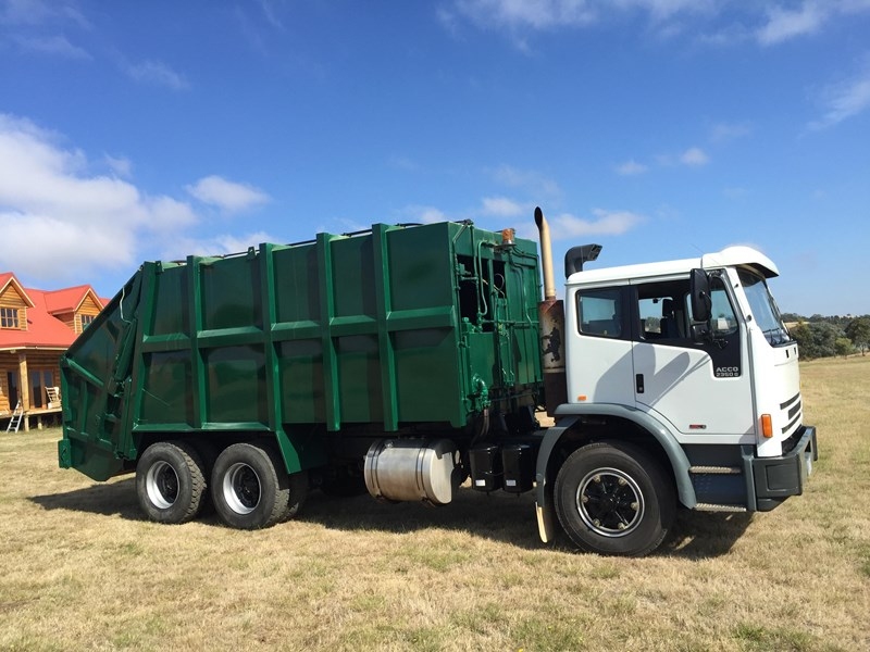 iveco acco 2350g 329686 002