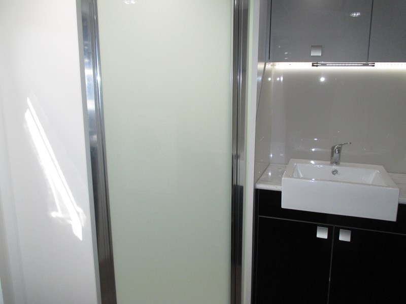 "pacific resort "" big bathroom"" luxury model 330240 009"