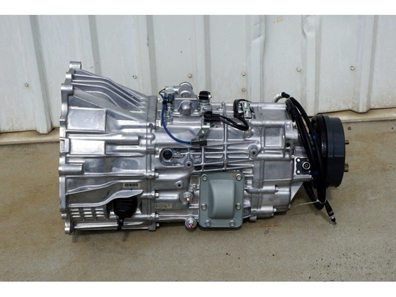mitsubishi rosa 6 speed manual gearbox 333180 001