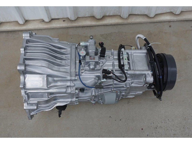 mitsubishi rosa 6 speed manual gearbox 333180 005
