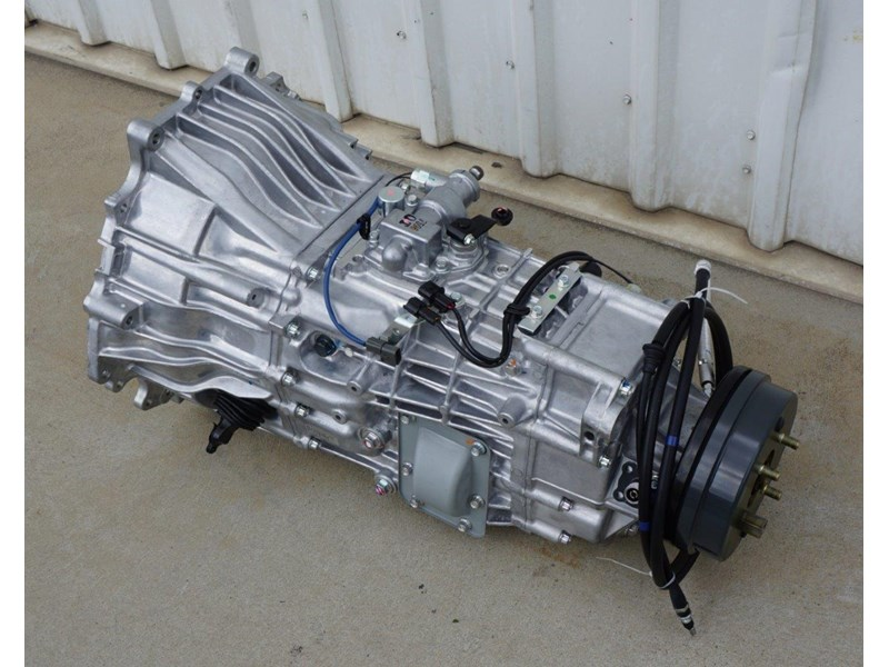 mitsubishi rosa 6 speed manual gearbox 333180 002