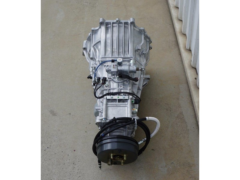 mitsubishi rosa 6 speed manual gearbox 333180 006