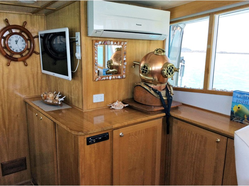 long range liveaboard cruiser 55ft 334744 020