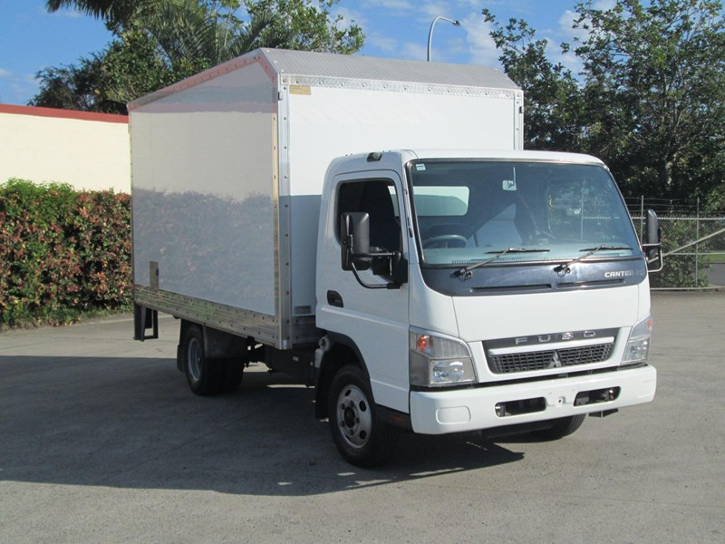 fuso canter 335890 001