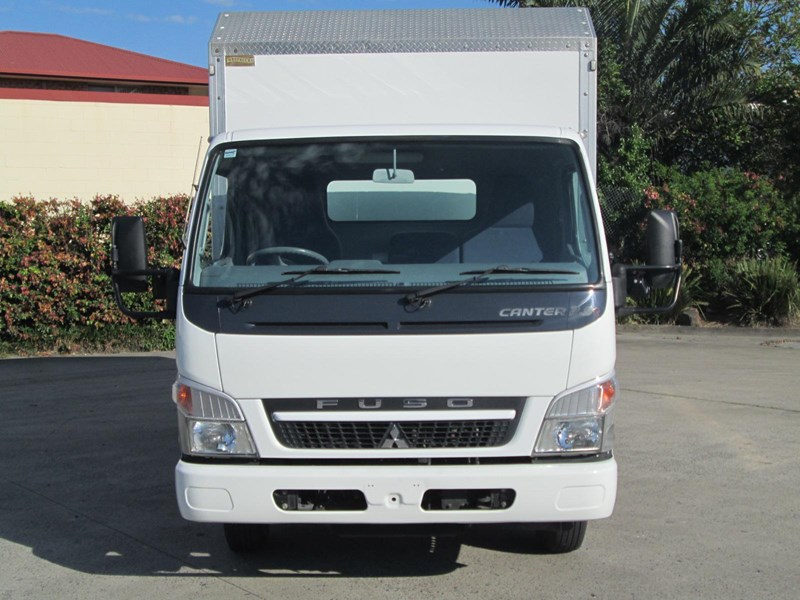 fuso canter 335890 002