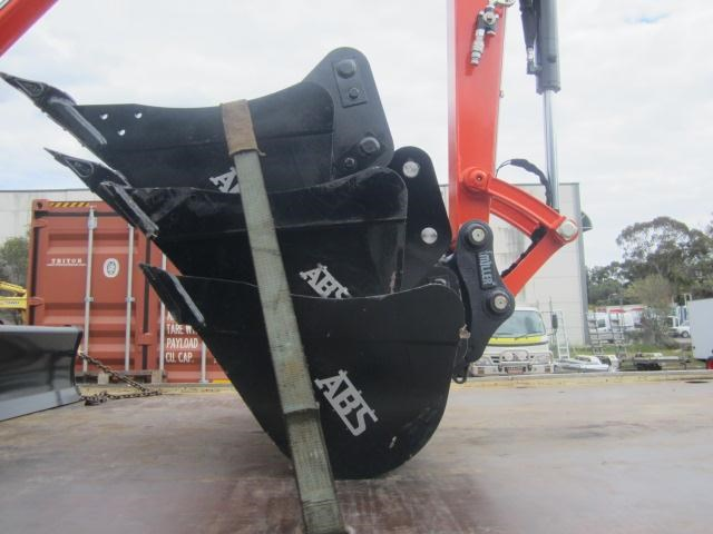 australian bucket supplies skeleton bucket fitted w/ boe to suit 3-4t excavators 316883 010