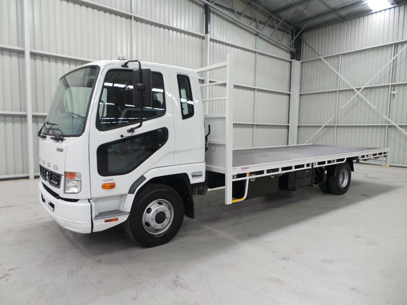 fuso fighter 1024 336843 001