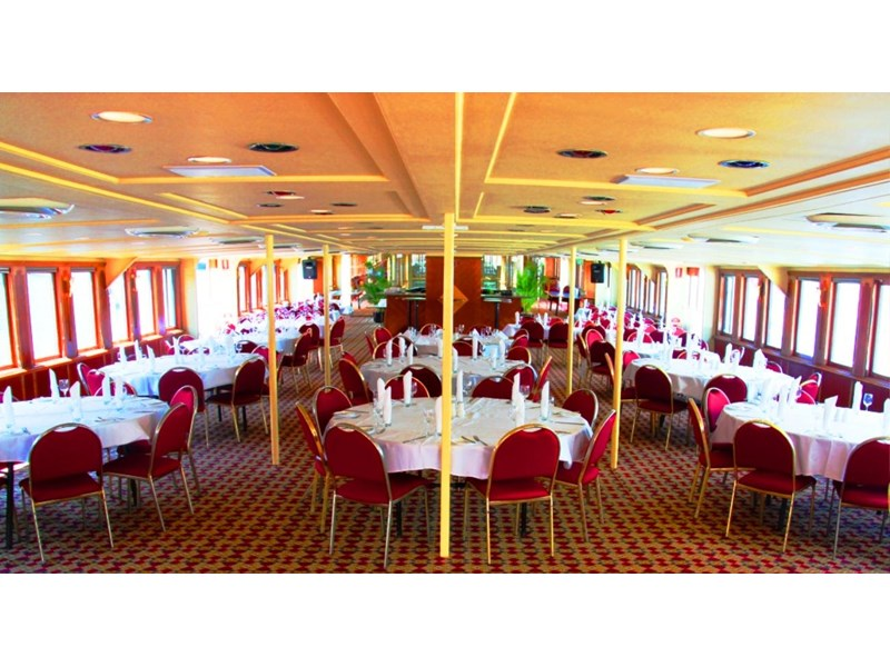 ship / ferry / floating restaurant 337935 005