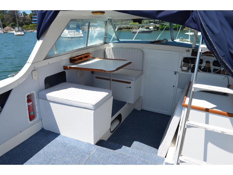 bertram 25 flybridge 338000 009