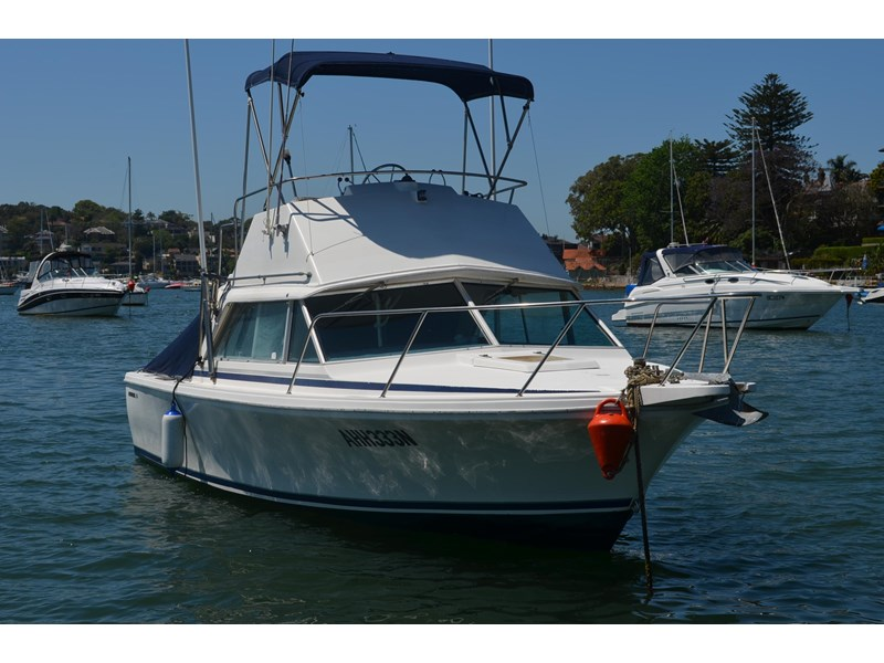 bertram 25 flybridge 338000 002