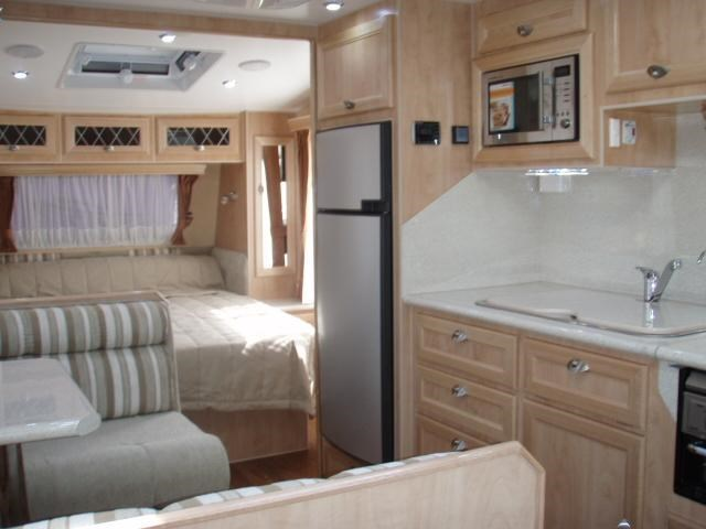 "traveller intrigue 18'6"" 'the tourer' 338900 011"