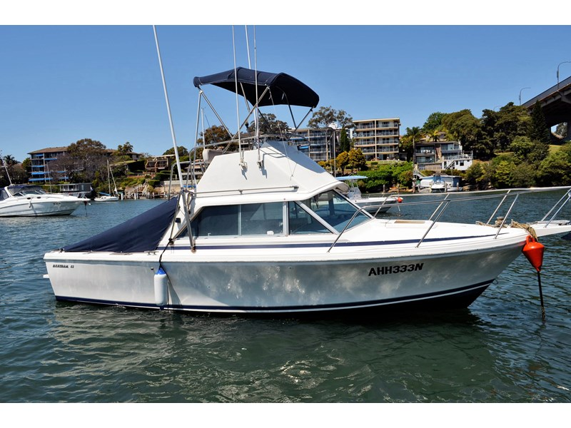 bertram 25 flybridge 338000 001