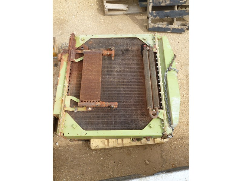 kenworth radiator (c500 bigfoot) 341146 001