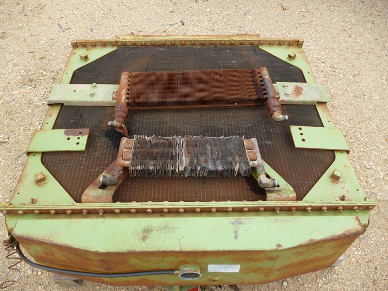 kenworth radiator (c500 bigfoot) 341146 005