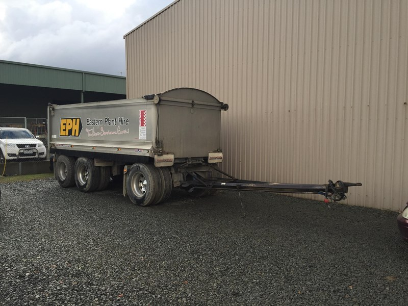 hamelex 3 axle dog trailer 342409 002