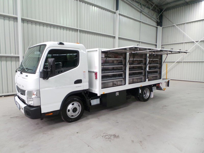 fuso canter 515 wide cab 345858 008