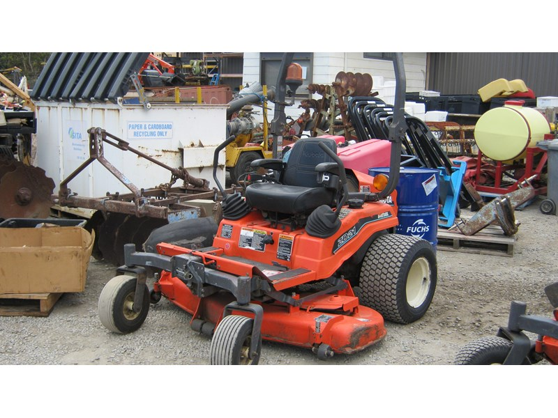 kubota zd21 ride on mower (2 of) 343968 004