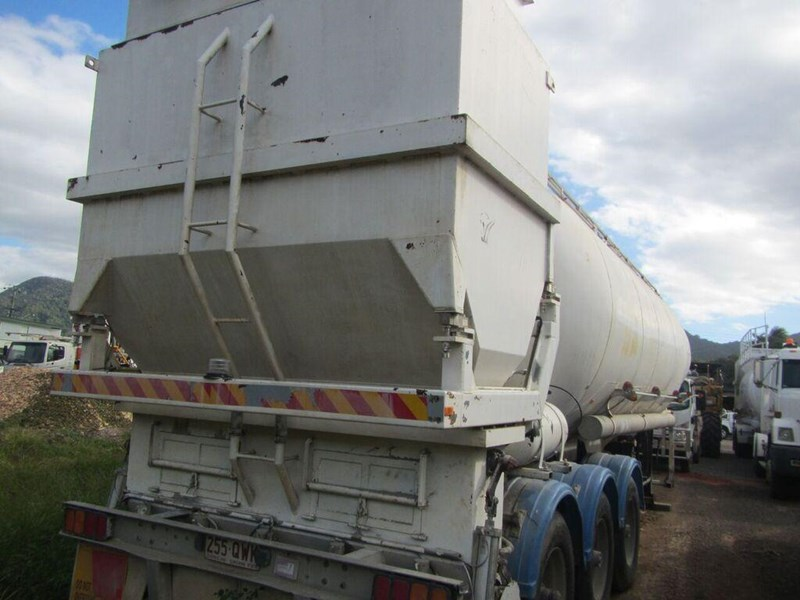 kockums semi triaxle lime or cement spreader (with super singles) 349150 005