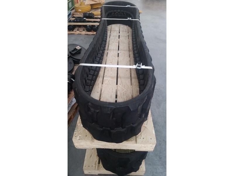 takeuchi premium rubber track to suit tb260. 19140.91210 351494 003