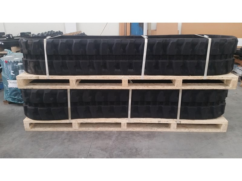 takeuchi premium rubber track to suit tb260. 19140.91210 351494 001