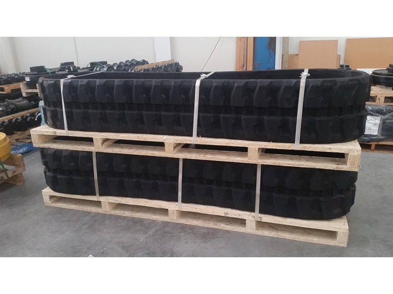 takeuchi premium rubber track to suit tb260. 19140.91210 351494 002