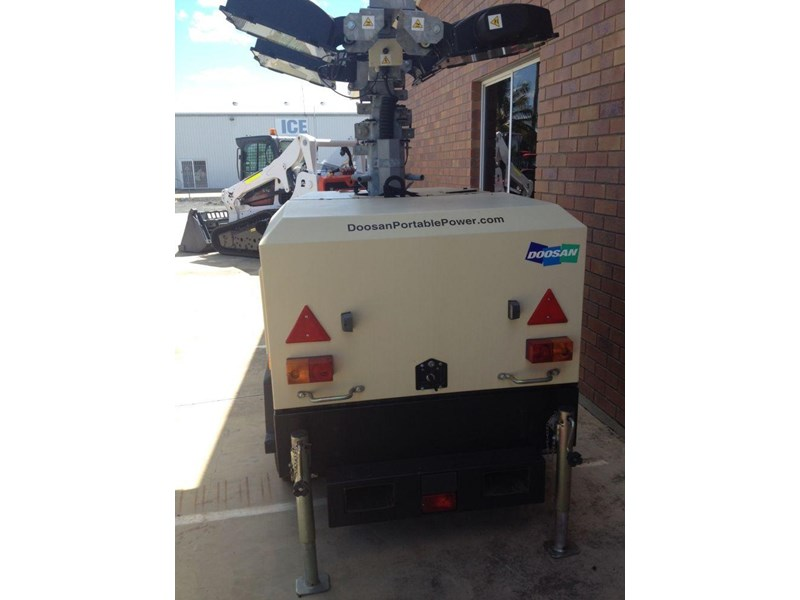 doosan v9 lighting tower 352476 003