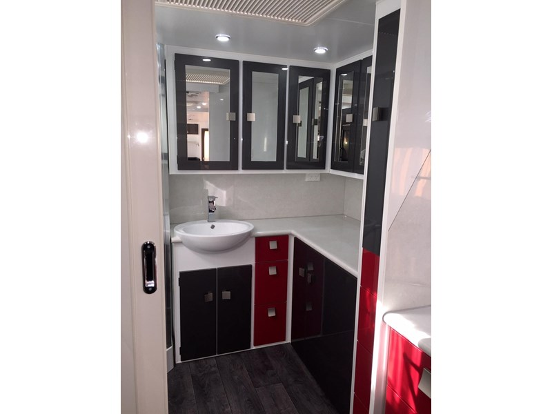traveller utopia 23' delux ensuite outback 356176 008