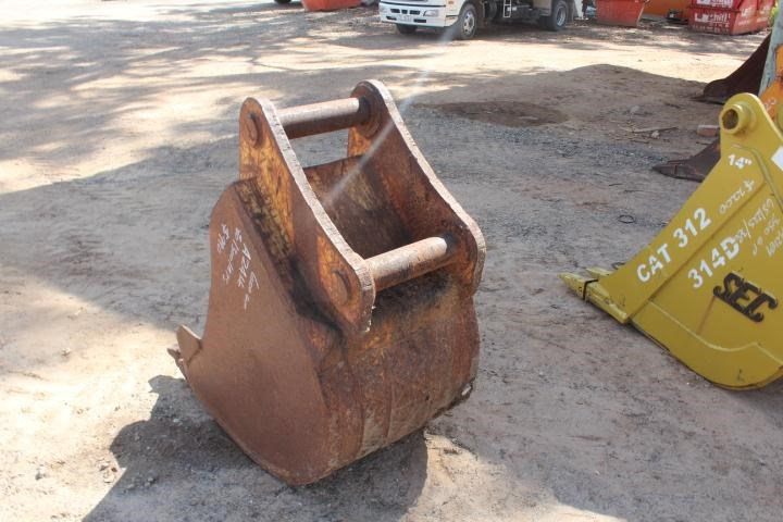 unknown 600mm trench bucket 356660 004