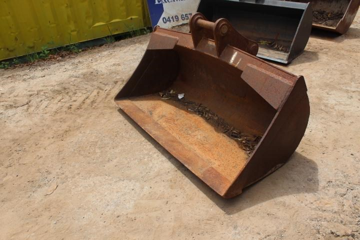 earthmaster 1500mm mud bucket 356685 001