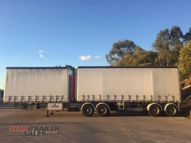 freighter semi 19m curtainsider b double set 307752 001