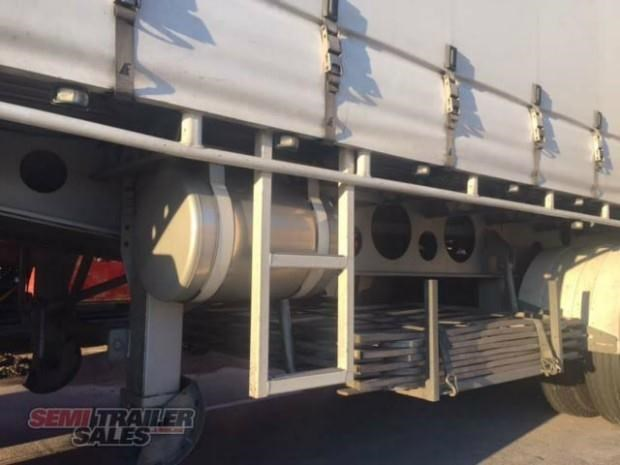 freighter semi 19m curtainsider b double set 307752 009