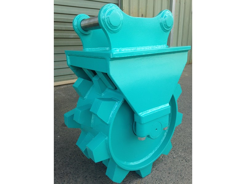 custom excavator compaction wheel 363402 002