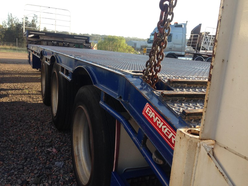 barker tri axle 45ft drop deck 364281 004