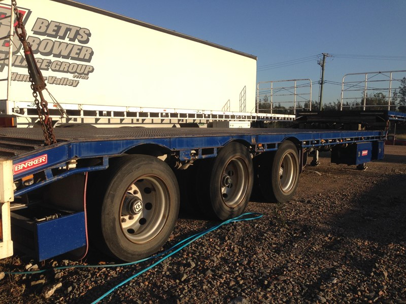 barker tri axle 45ft drop deck 364281 005