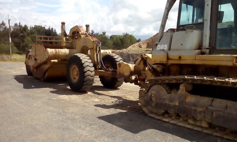 KOMATSU D85 P -21 WITH HYDRAULIC SCOOP for sale