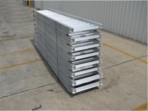 workmate 8 ton alloy loading ramps 365073 002