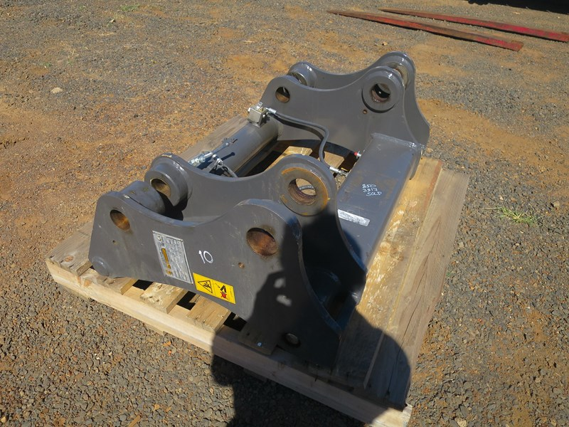leonardi quickhitch to suit loader 365903 006