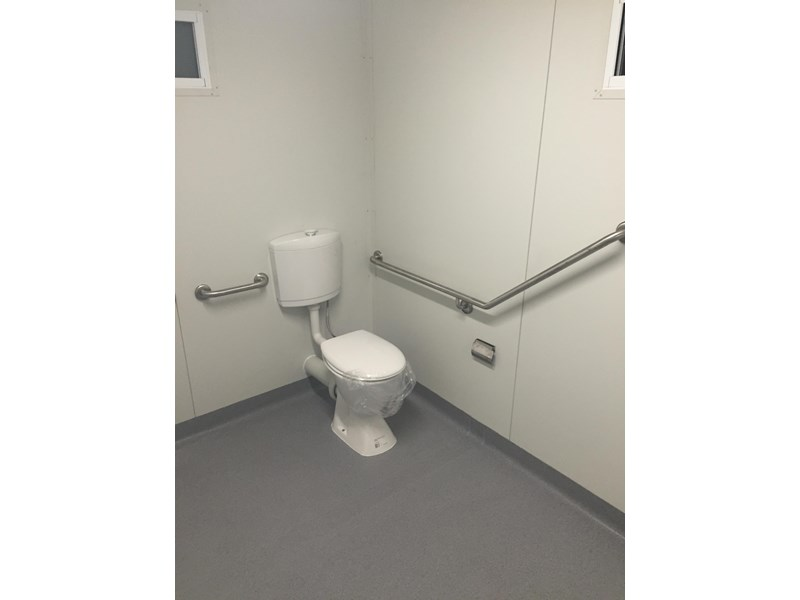 e i group portables compliant 3m x 2.4m disabled toilet/shower 368088 002