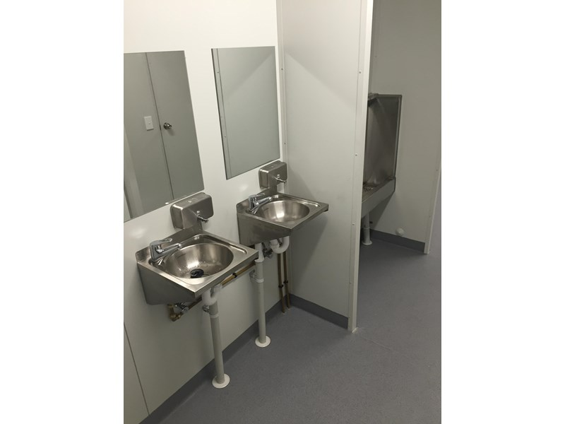 e i group portables 10.8m x 3m ablution/change room/lockers 368138 018
