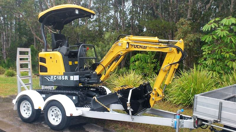 yuchai 1.8ton excavator and trailer combo 275750 001