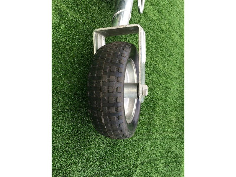 other 10'' solid tire jockey wheel 371427 005